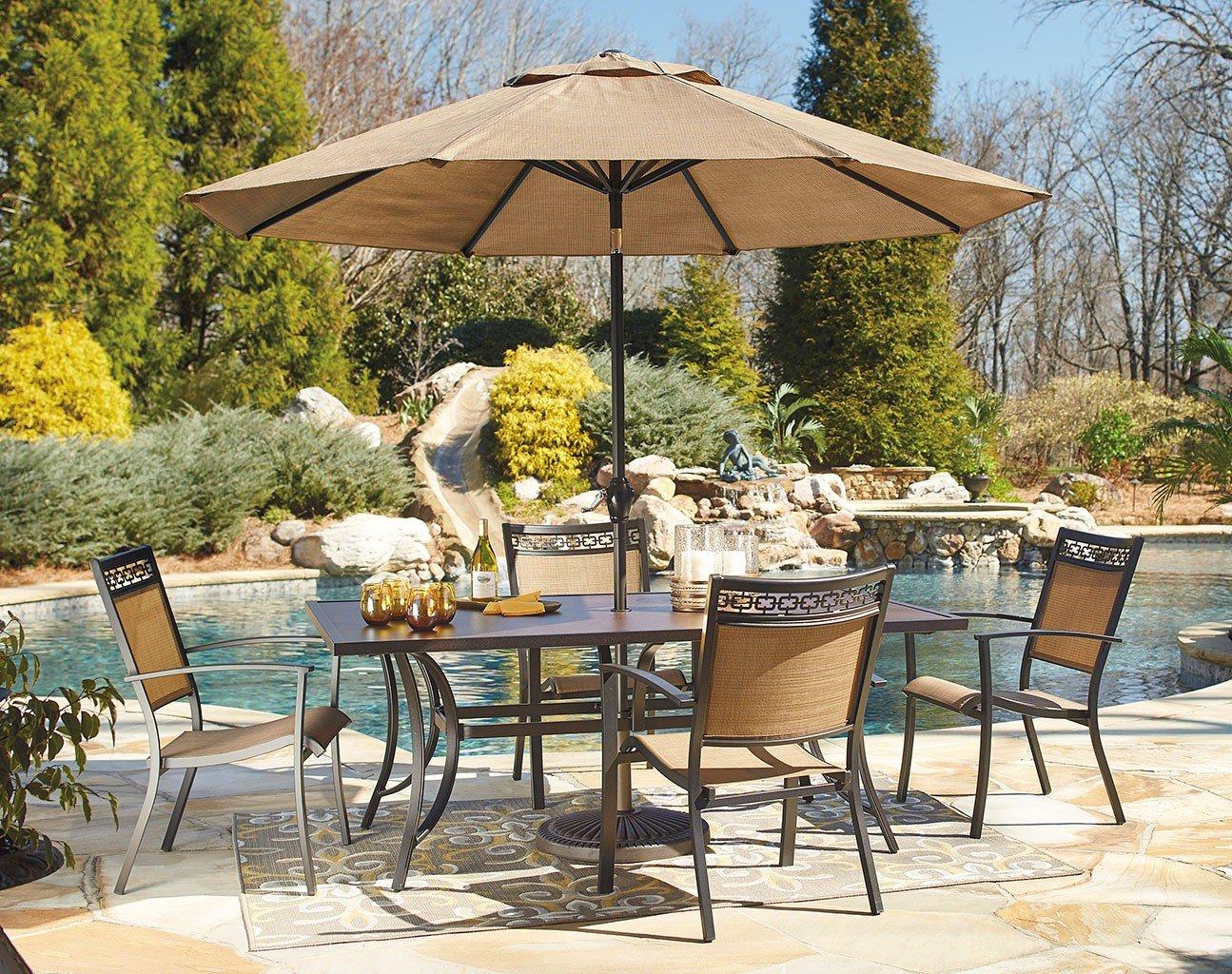 Carmadelia Outdoor Dining Set w/ Umbrella