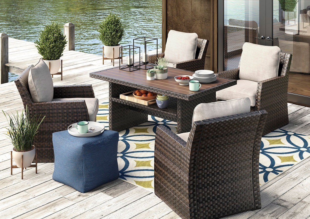 Salceda Outdoor Dining Set