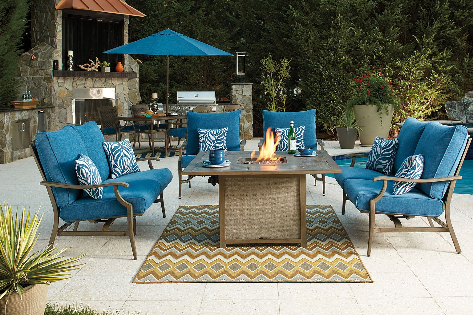 Partanna Square Fire Pit Table Set