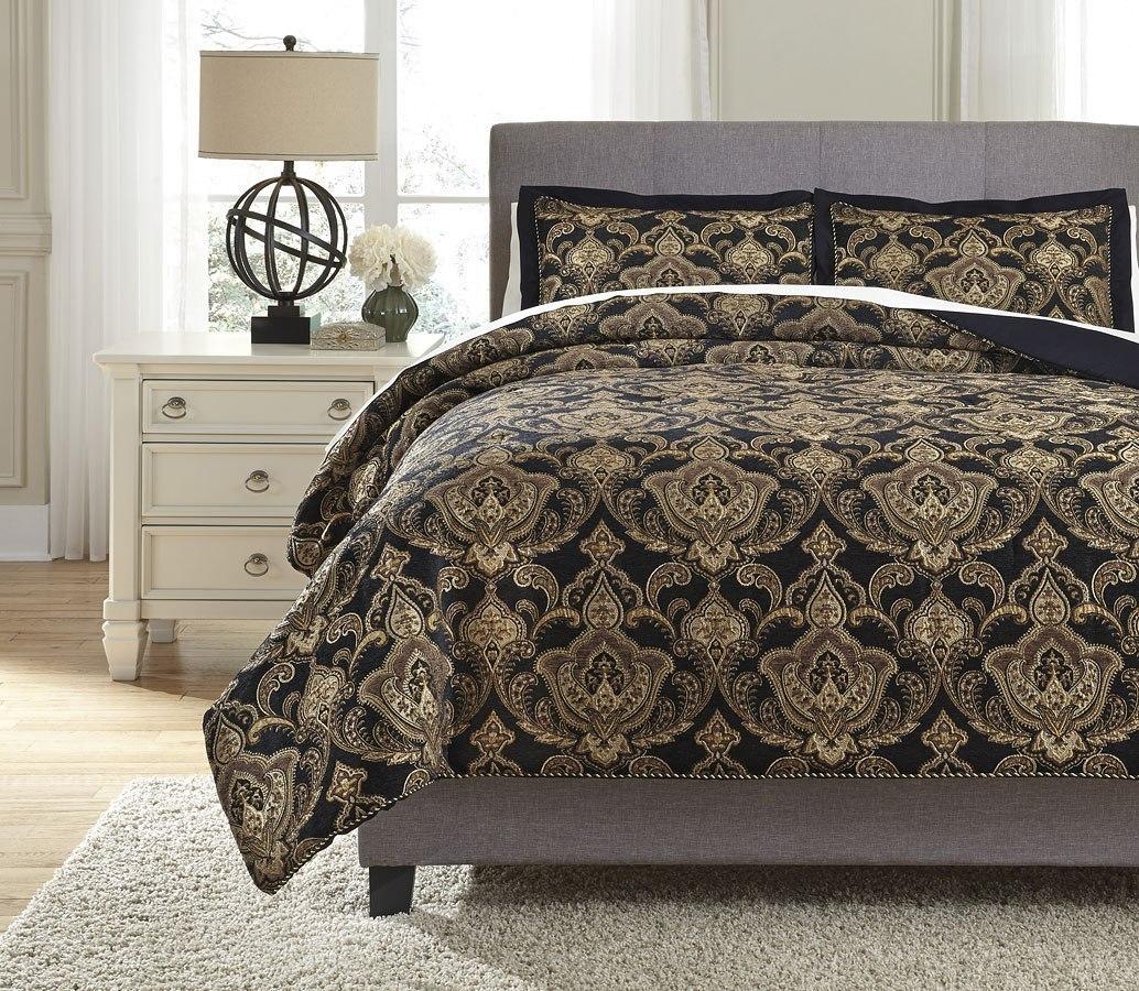 Amberlin Onyx And Gold Comforter Set Signature Design Furniture Cart