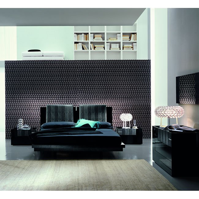 Diamond Platform Bedroom Set (Black)