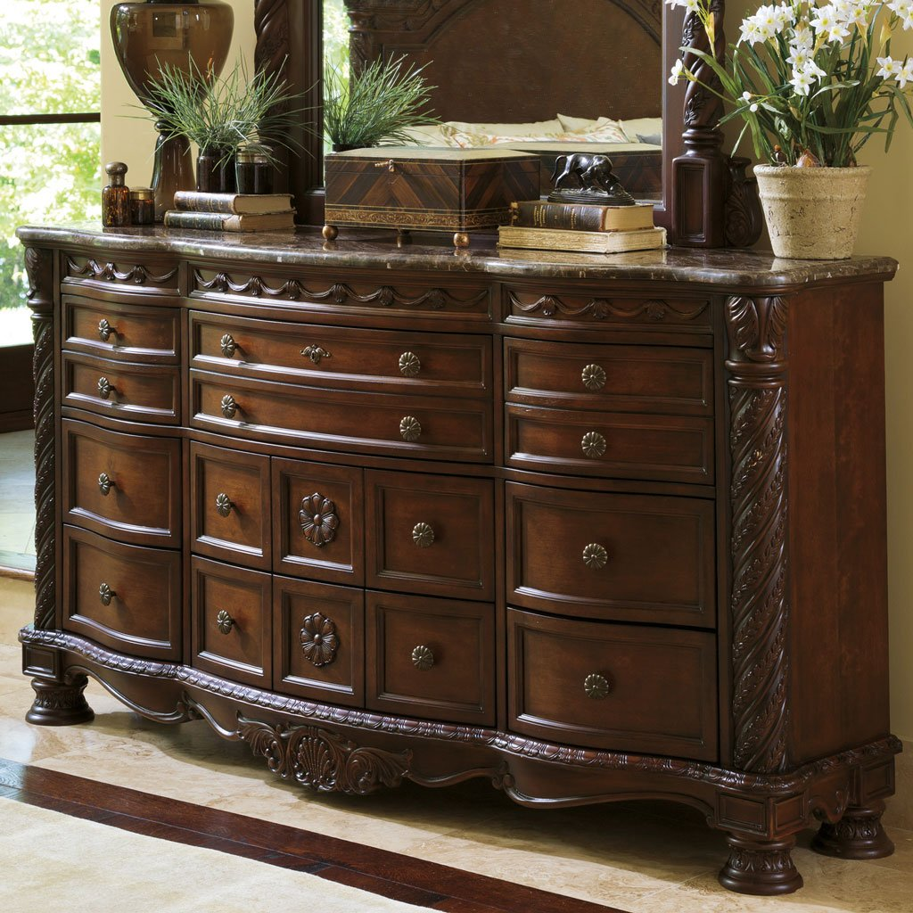 Ordinaire North Shore Dresser