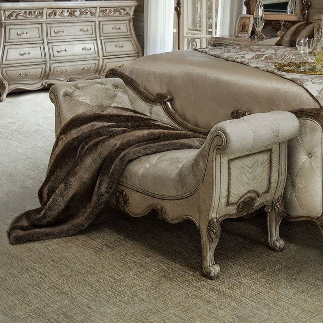 Platine de Royale Bed Bench (Champagne)