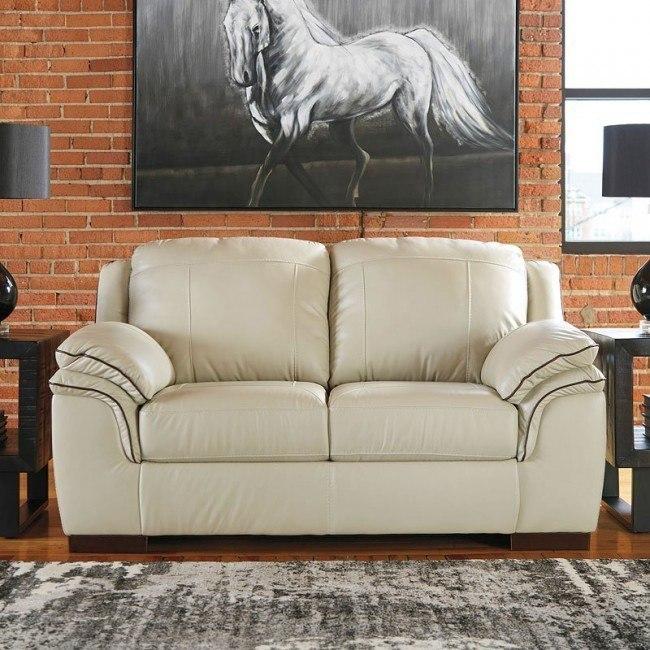Sensational Islebrook Vanilla Loveseat Spiritservingveterans Wood Chair Design Ideas Spiritservingveteransorg