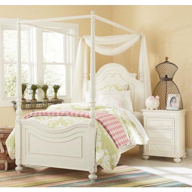 Charlotte Canopy Bedroom Set