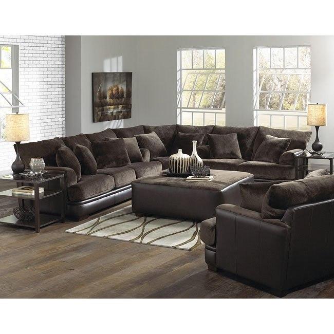 Barkley Sectional Living Room Set (Chocolate)