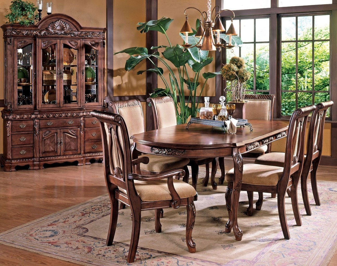 Attirant Harmony Dining Room Set (Cherry)