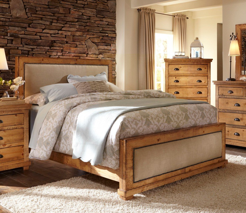 Willow Upholstered Bed (Distressed Pine)