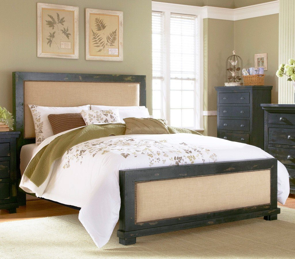 Willow Upholstered Bed (Distressed Black)